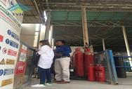 India customer visit our factory for BF3 gas